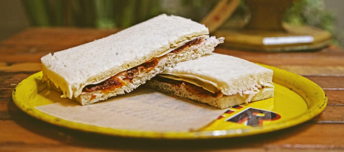 Tacchino-Toma-Pomodori-gialli-semisecchi